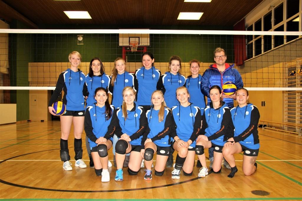 Mannschaftsfoto Damen-Volleyballteam SV Ried im Oberinntal